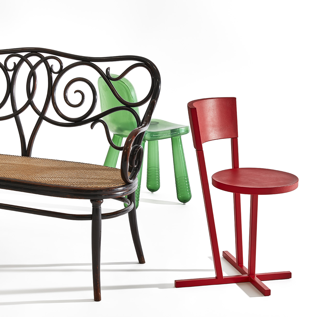 From left to right: Michael Thonet, couch Nr. 4 (variation op Café Daum-furniture), 1849-1850, prod. Gebrüder Thonet, Vienna; Marcel Wanders, Sparkling, 2010, prod. Magis, Torre di Mosto (IT); Richard Hutten Stedelijk-chair (prototype), 2008, prod. Lensvelt, Breda (NL).  Collection Stedelijk Museum Amsterdam. Photo: Peggy Janssen, styling: Heidi Willems - PURE styling